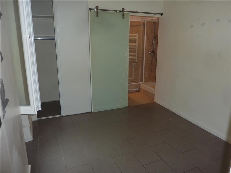 Location appartement Marseille 7ème 382€ CC - Photo 1
