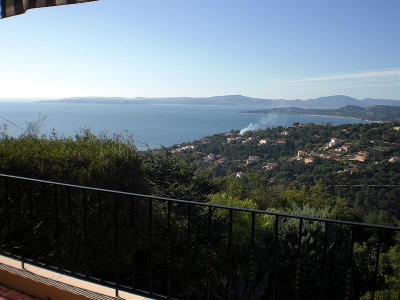 Vacation rental house / villa Les issambres 610€ - Picture 1
