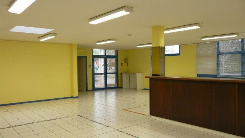 Location local commercial Castanet-tolosan 1 787€ CC - Photo 6