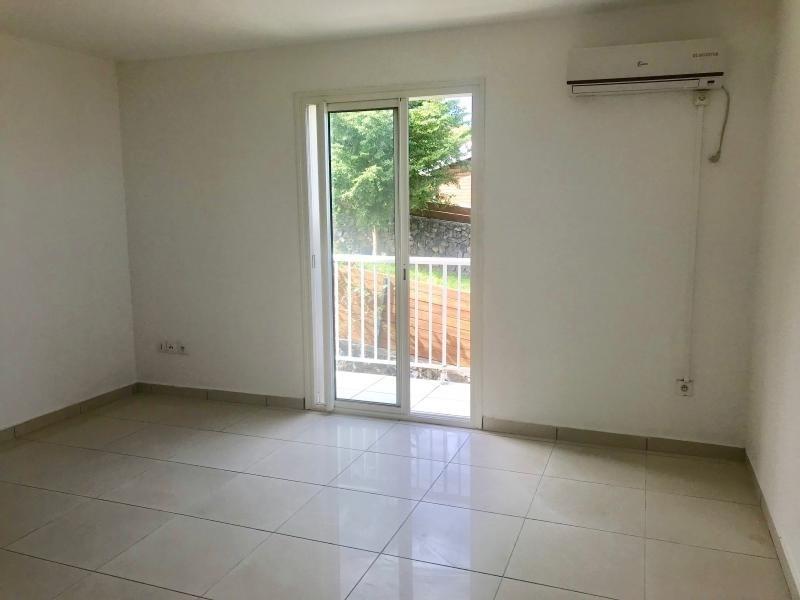 Sale house / villa Les avirons 450000€ - Picture 5
