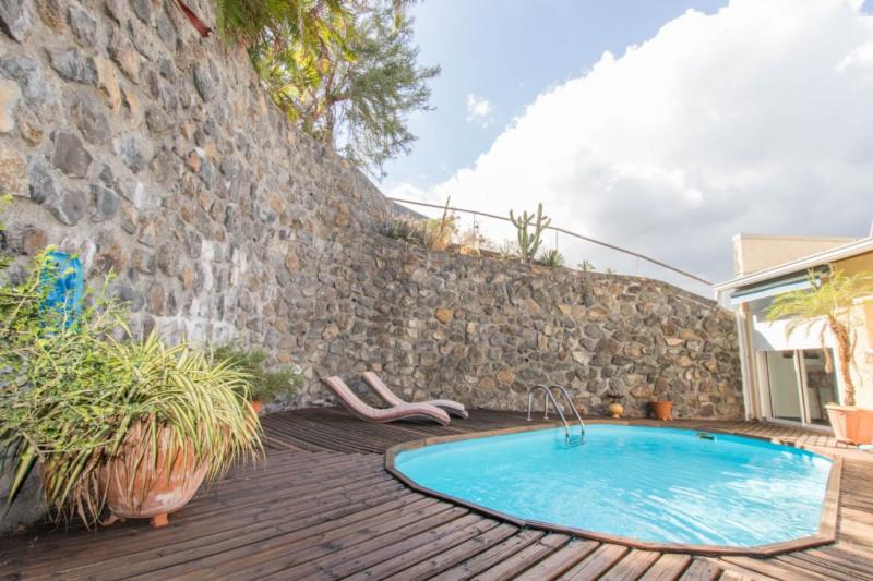 Deluxe sale house / villa Saint gilles les bains 570000€ - Picture 6