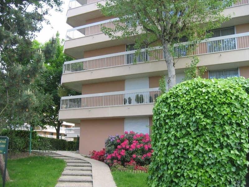 Location appartement Verrieres le buisson 1420€ CC - Photo 1