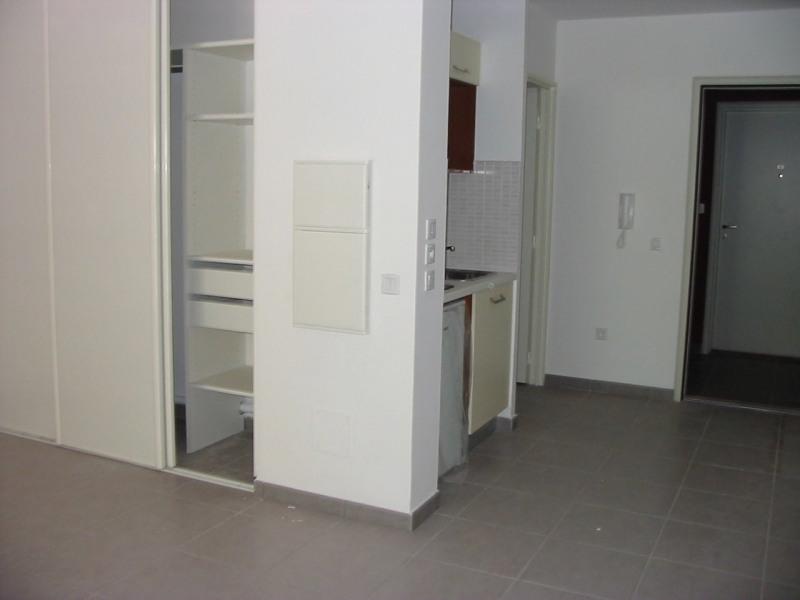 Location appartement St denis 452€ CC - Photo 3