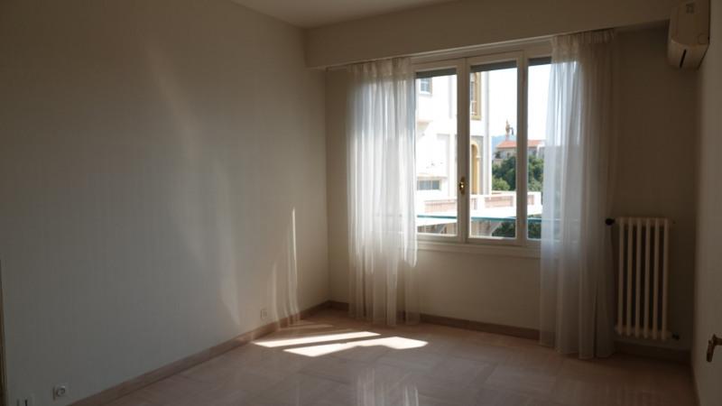 Rental apartment Nice 845€ CC - Picture 4