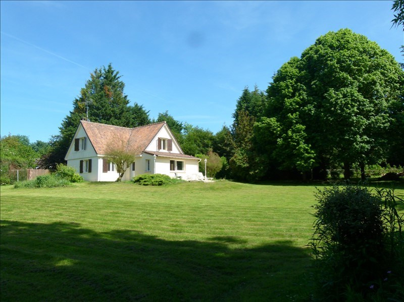 Sale house / villa Montfort-l'amaury 390000€ - Picture 1