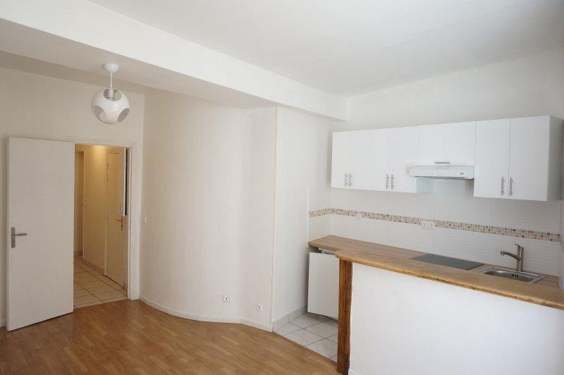 Location appartement Paris 2ème 1104€ CC - Photo 3