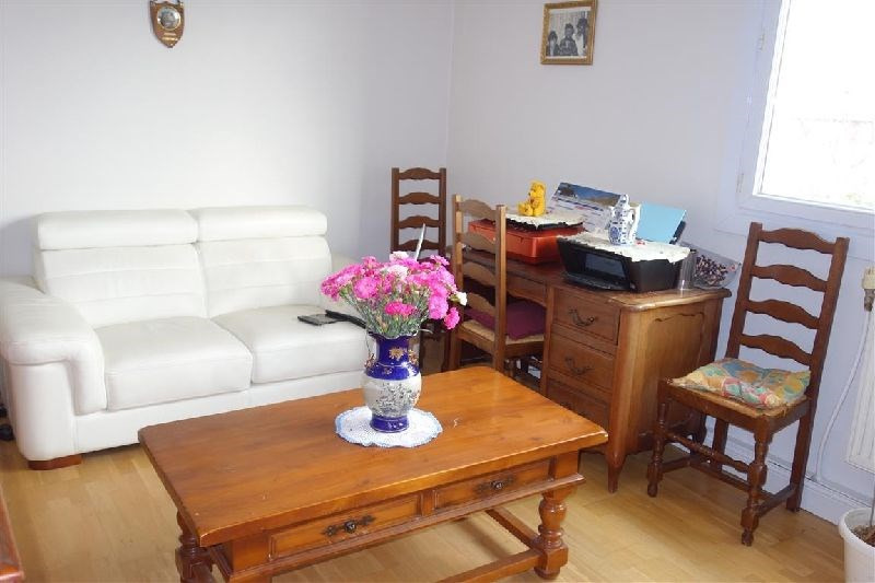 Sale apartment Ste genevieve des bois 121 000€ - Picture 1