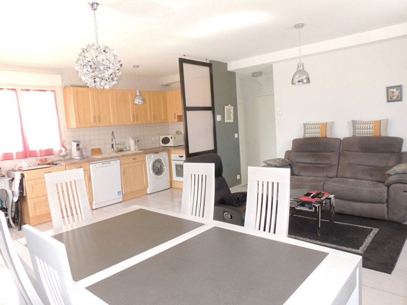 Sale apartment Royan 250000€ - Picture 3