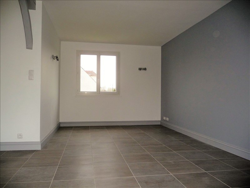 Rental house / villa Bazicourt 1086€ CC - Picture 5