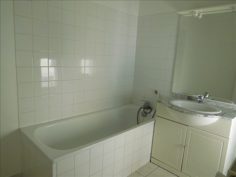 Rental apartment Le puy en velay 451,79€ CC - Picture 3