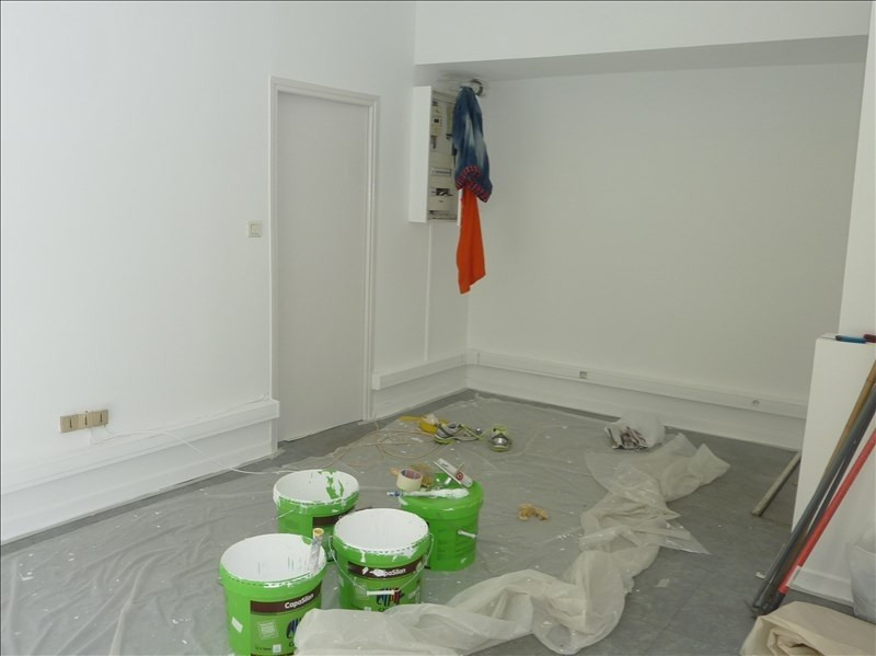 Location local commercial Marseille 1er 667€ HT/HC - Photo 4