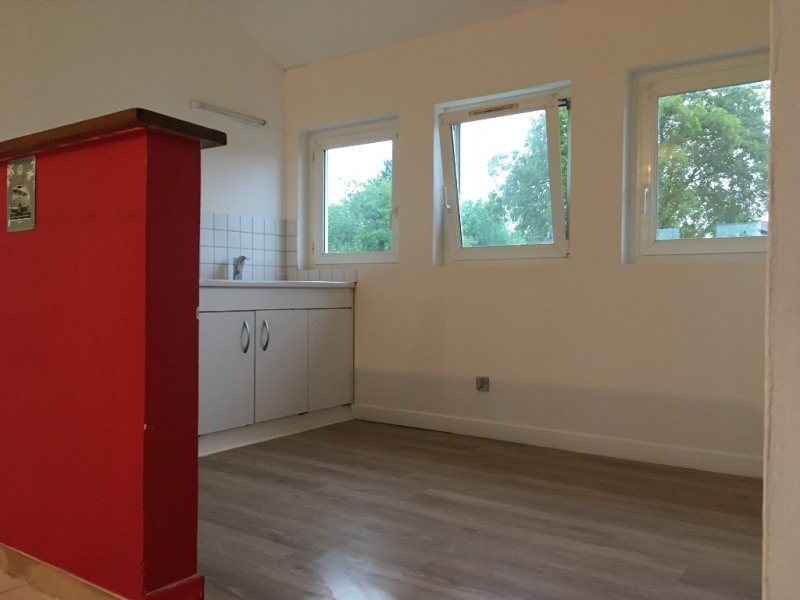 Location appartement Mesnieres en bray 560€ CC - Photo 2
