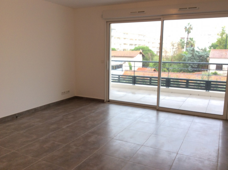 Location appartement Fréjus 770€ CC - Photo 3