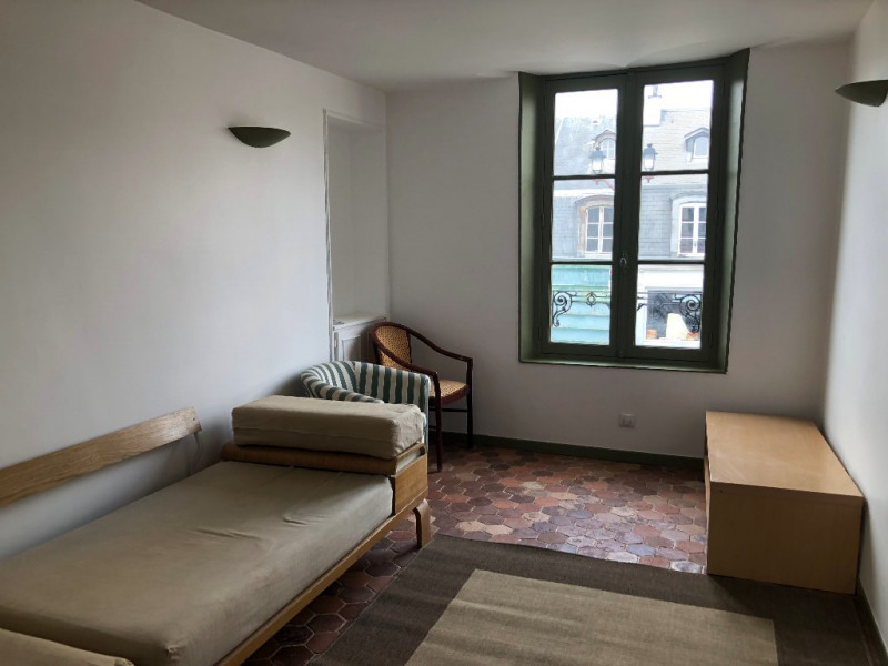 Location appartement Versailles 950€ CC - Photo 2