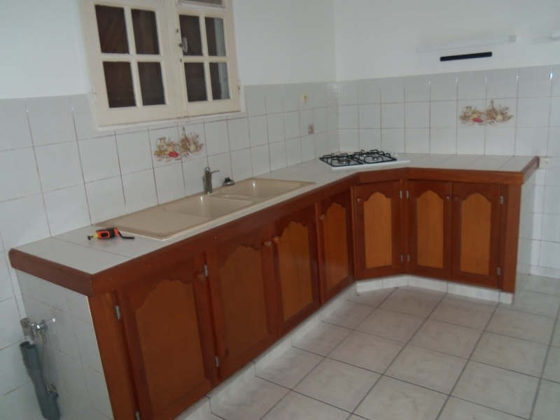 Location maison / villa St francois 750€ CC - Photo 6