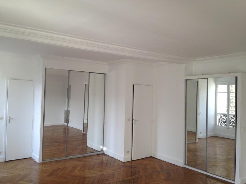Rental apartment Paris 8ème 1297€ CC - Picture 2