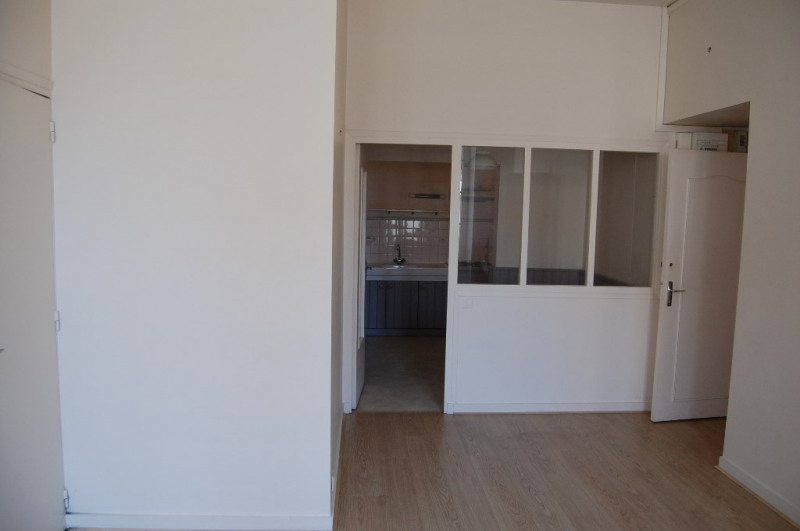 Rental apartment La rochelle 591€ CC - Picture 2