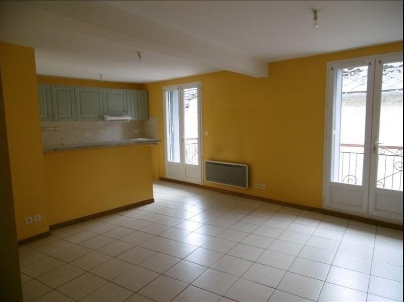 Affitto appartamento St martin de bavel 520€ CC - Fotografia 1
