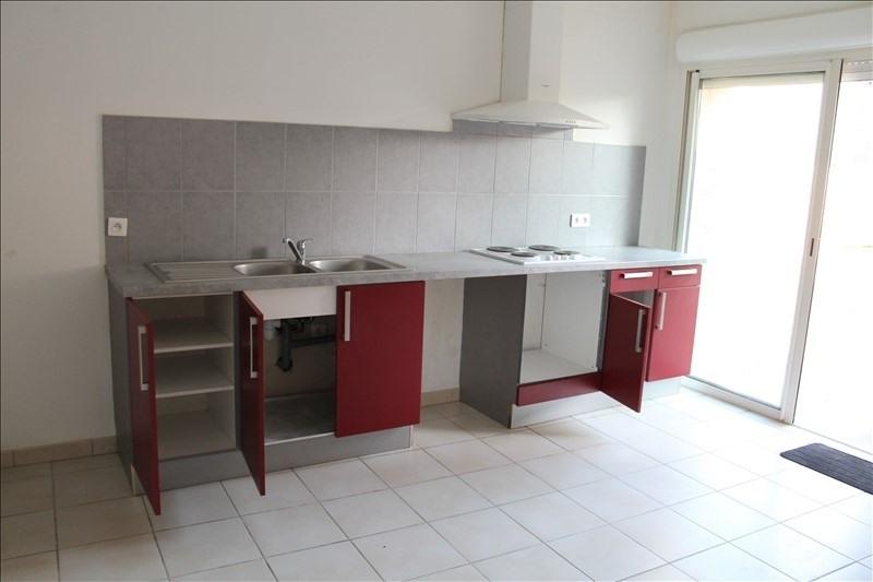 Location maison / villa Landiras 660€ CC - Photo 1