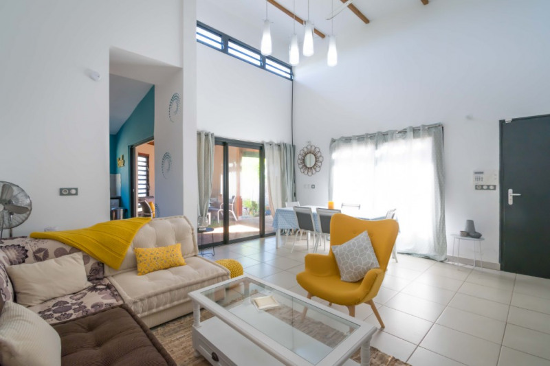 Location maison / villa Sainte marie 1200€ CC - Photo 3