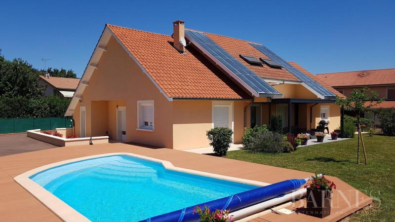 Deluxe sale house / villa Arnas 550000€ - Picture 1