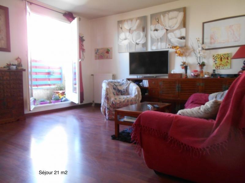 Sale apartment Courcouronnes 147000€ - Picture 1