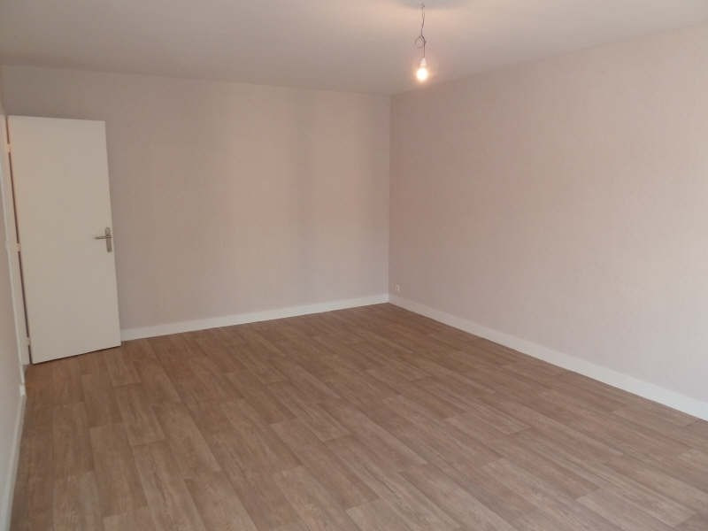 Rental apartment Andresy 609€ CC - Picture 3