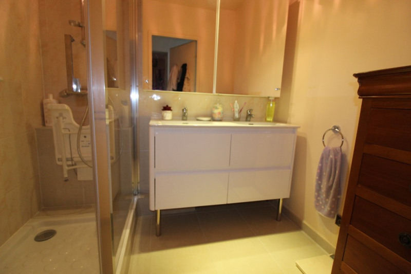 Vente appartement Hyeres 318 000€ - Photo 8