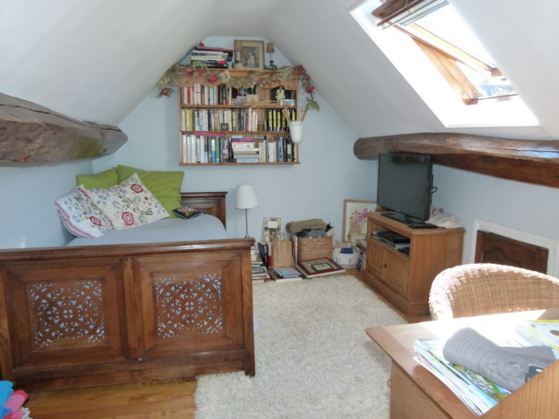 Sale house / villa Montfort l amaury 497000€ - Picture 10