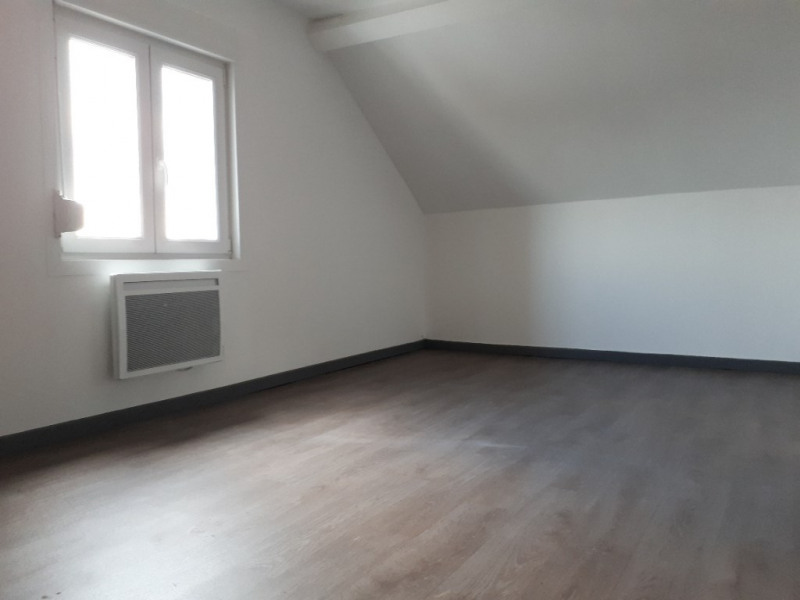 Location appartement Saint quentin 385€ CC - Photo 4