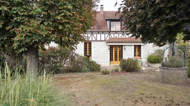 Sale house / villa Breval 272000€ - Picture 1