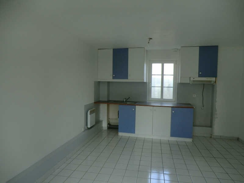 Rental apartment Coye la foret 755€ CC - Picture 2