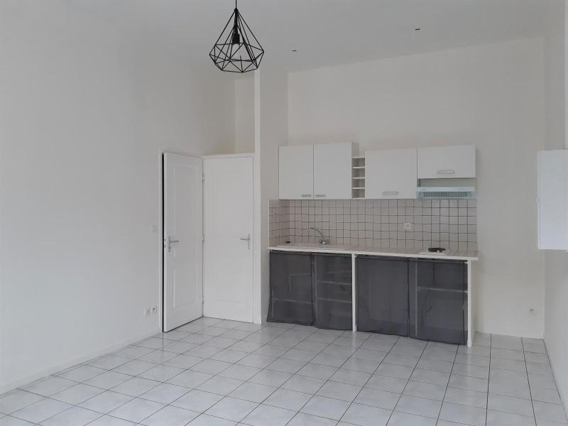 Location appartement Grenoble 548€ CC - Photo 3