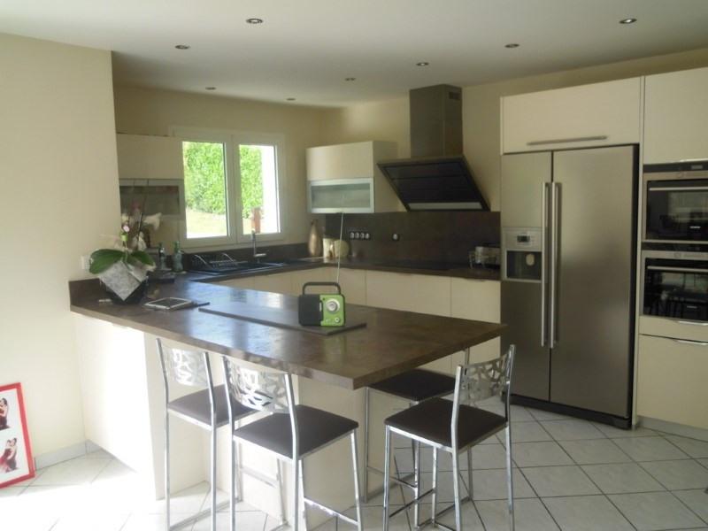 Deluxe sale house / villa Lathuile 578000€ - Picture 3