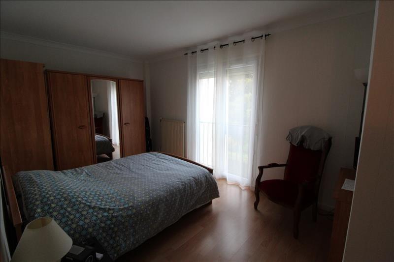 Rental house / villa Elancourt 1291€ CC - Picture 4