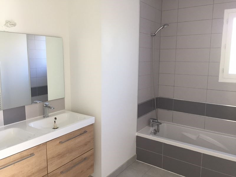 Location maison / villa Pibrac 1 020€ CC - Photo 5