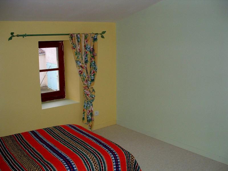 Sale house / villa Velluire 99000€ - Picture 8