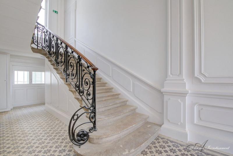 Deluxe sale apartment St cyr au mont d'or 599500€ - Picture 2