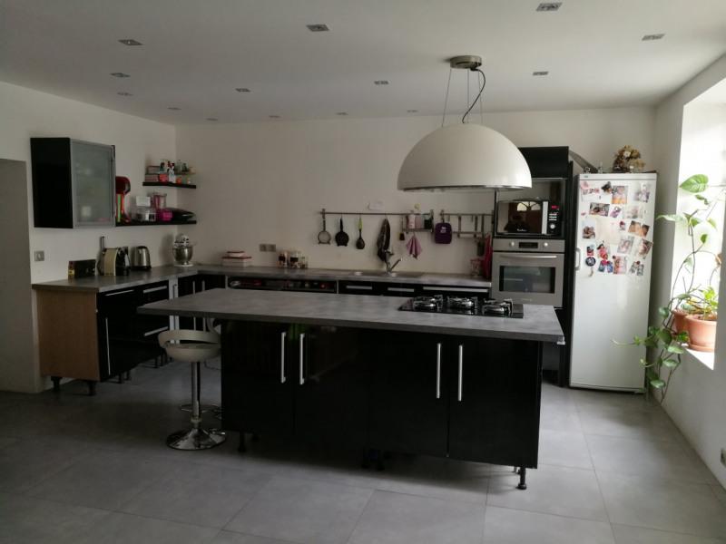 Sale house / villa Jardin 220000€ - Picture 2