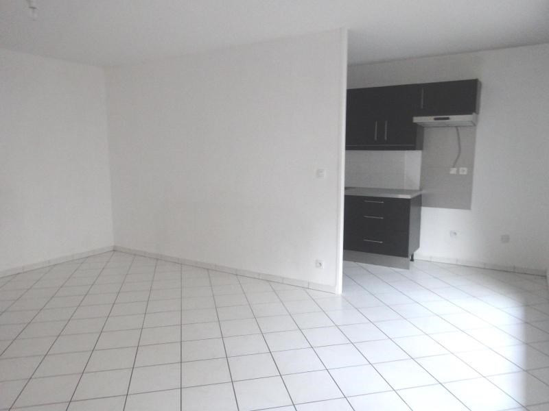 Location appartement Grenoble 820€ CC - Photo 2