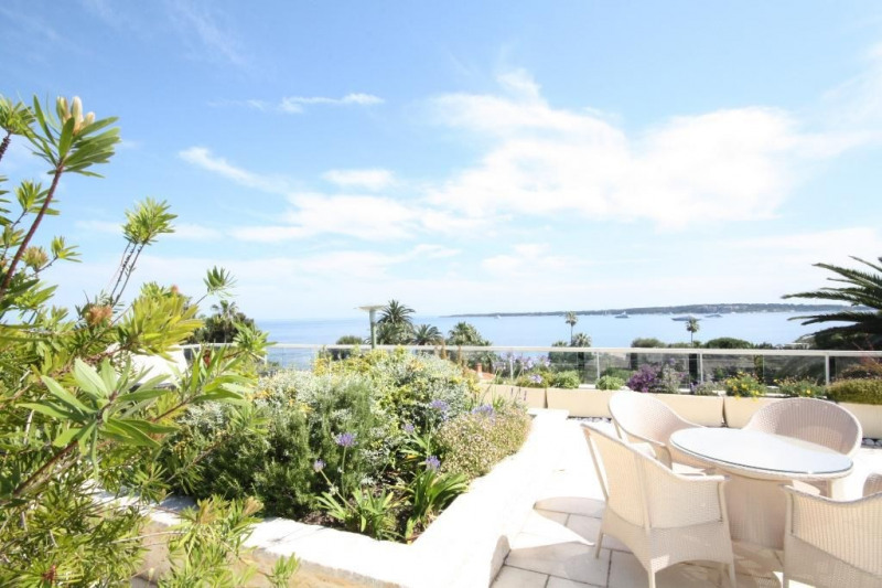 Deluxe sale apartment Cannes 1 990 000€ - Picture 4