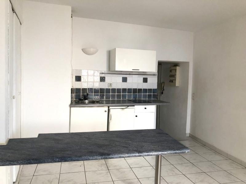 Sale apartment Aix en provence 150000€ - Picture 2