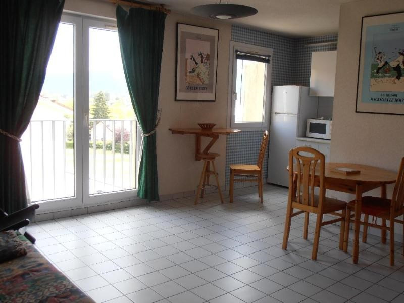 Rental apartment Oyonnax 396€ CC - Picture 1