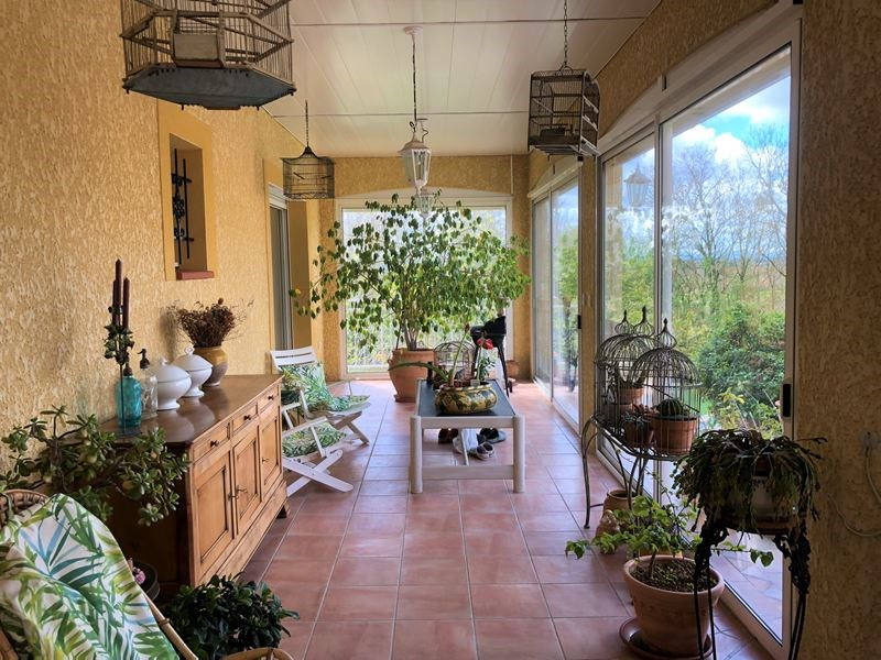 Vente maison / villa L'isle jourdain 390 000€ - Photo 3