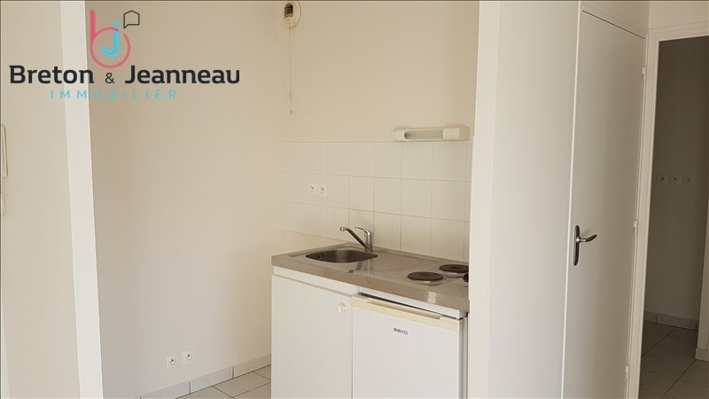 Location appartement Le bourgneuf la foret 386€ CC - Photo 3