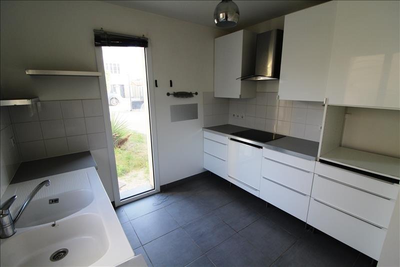 Location maison / villa Le mesnil st denis 1572€ CC - Photo 4