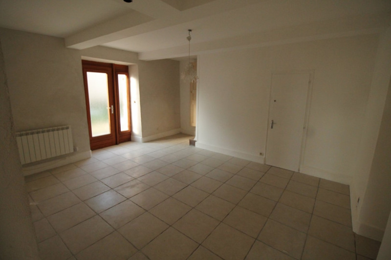 Vente maison / villa La tour du pin 139 000€ - Photo 10