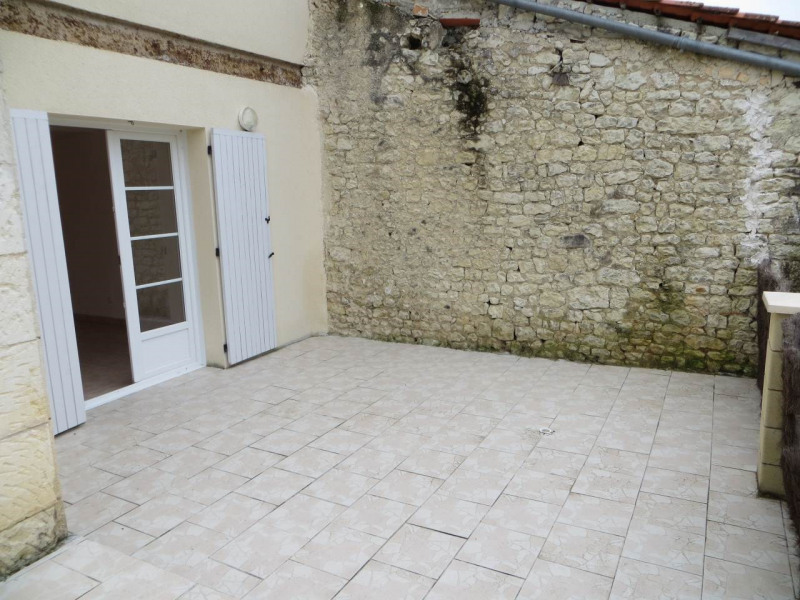 Location maison / villa Lignières-sonneville 531€ CC - Photo 6