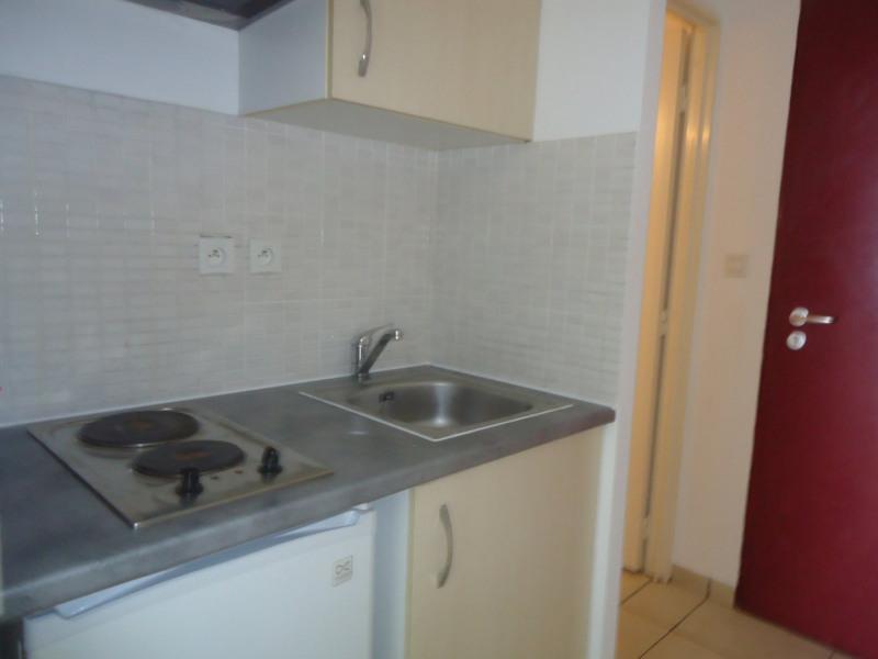 Location appartement Ste clotilde 392€ CC - Photo 4