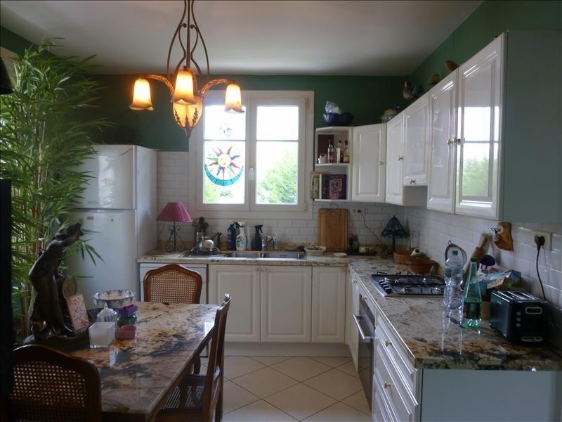 Sale house / villa Poissy 379000€ - Picture 3